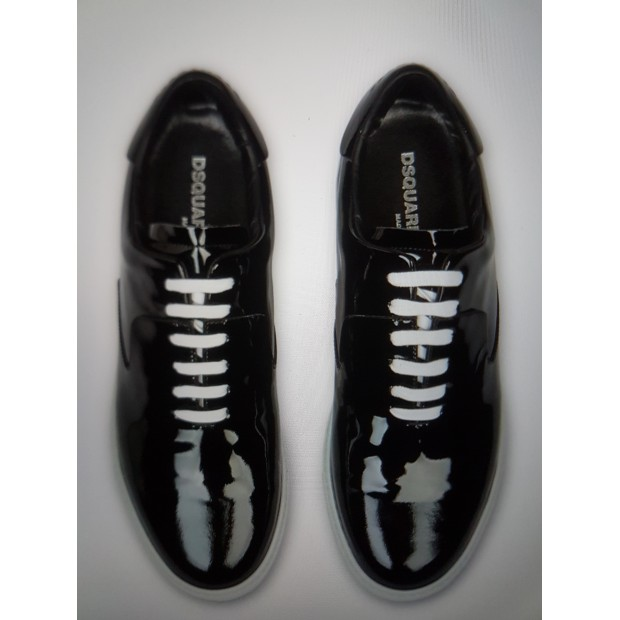 SNEAKERS. DSQUARED2